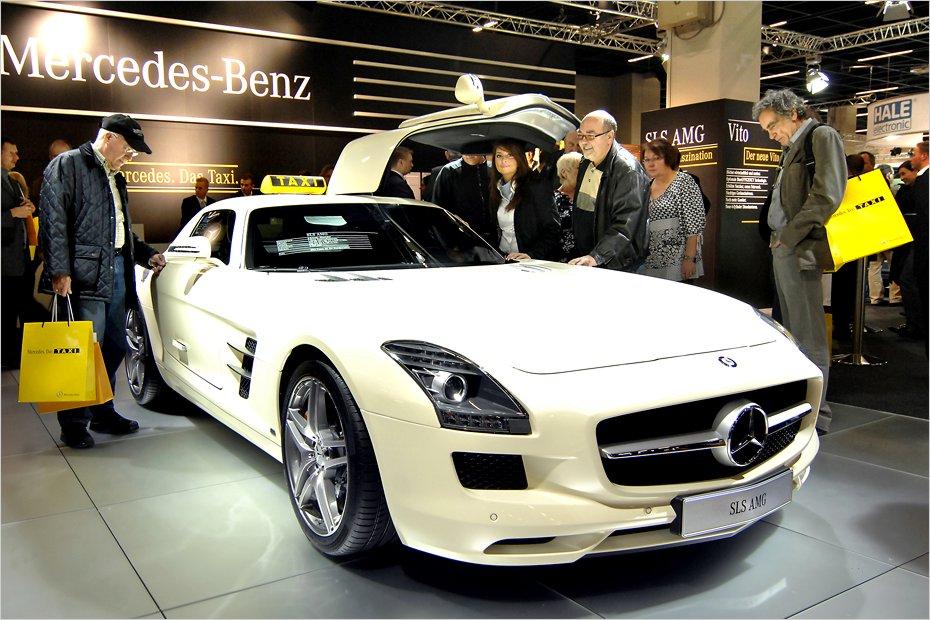 Mercedes-SLS-AMG-20101