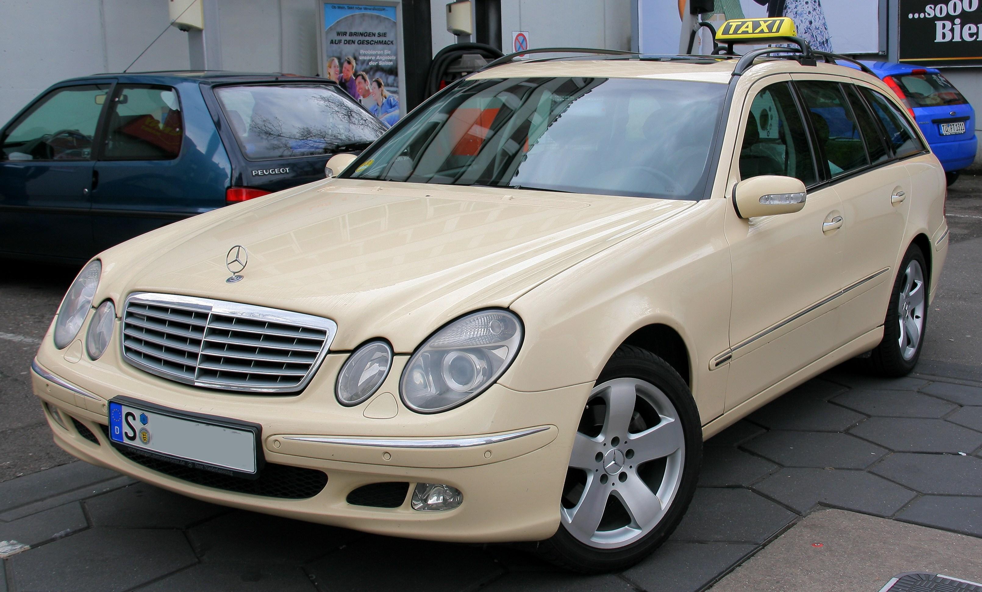 Taxi_-_Mercedes_C-Klasse_T-Modell
