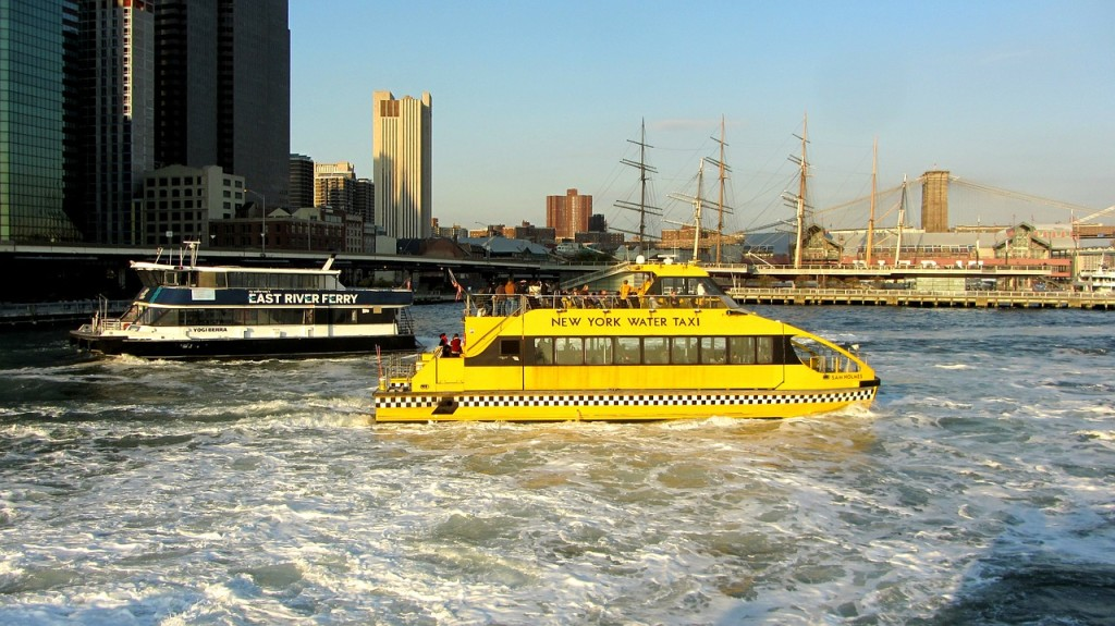 water-taxi-271360_1280